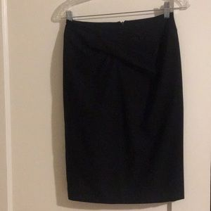 Twist knot Michael Kors black pencil skirt (sz 2)
